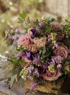 Captivating Choosing Your Wedding Flowers Ideas. Remarkable Choosing Your Wedding Flowers Ideas. Shade Flowers, Table Flowers, Green Flowers, Spring Flowers, Beautiful Flowers, Exotic Flowers, Yellow Roses, Beautiful Flower Arrangements, Wedding Arrangements