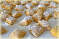GNOCCHI DI ZUCCA Fall Recipes, Baby Food Recipes, Cooking Recipes, Gnocchi Pasta, Ravioli, Tuscan Bean Soup, Italian Cookie Recipes, Fresh Pasta, Homemade Pasta