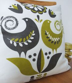 folk style birds...: Happy birds cushion ~ roddy