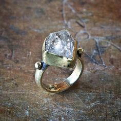 #herkimer#diamond #solitairering In #gold available  #jewelry #jewellery #jewelrydesign #breakastone #engagementring#bridaljewelry#fashion #style #fingercandy #fingerparty #bling #boho #bohochic #bohojewelry #etsy #handmadeatamazon #handmadejewelry #crystalrings#diamonds #diamondrings #metalsmith #handmade#rings#medieval #medievaljewelry