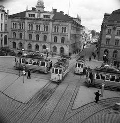Spårvagnar i gatukorsning i Uppsala | Spårvägsmuseet