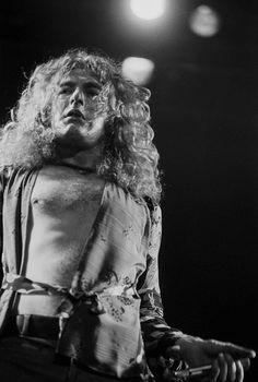 Robert Plant in performance circa 1970 New York.  Photo by Art Zelin, Getty.