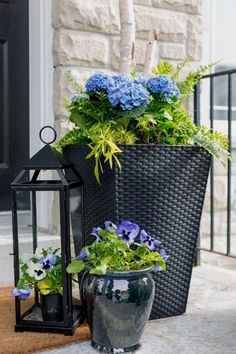 Potted plants are one of the easiest ways to dress up any space! Be sure to check out these gorgeous porch planter ideas and inspiration front and back porches before sprucing up your own outdoor space.  #LandscapingandOutdoorSpaces