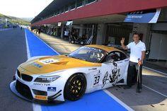 Gold für den Weltmeister: ROAL Motorsport überrascht Alex Zanardi