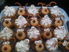 Reindeer & Melted Snowmen Cupcakes. Snowmen, Reindeer, Melted Snowman, Snowman Cupcakes, Pinterest Projects, Foods, Eat, Desserts, Christmas