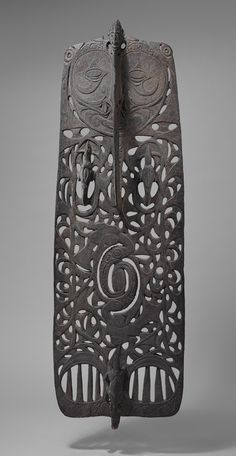 Ceremonial Board (Malu) [Sawos people, Middle Sepik region, Papua New Guinea] (1978.412.713) | Heilbrunn Timeline of Art History | The Metropolitan Museum of Art