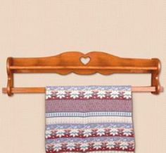19-W3300 - Quilt Rack Woodworking Plan. - WoodworkersWorkshop ... : quilt shelf wall hanger - Adamdwight.com