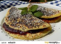 Bramborové placky se švestkami a mákem recept - TopRecepty.cz Gluten Free Cakes, What To Cook, Nutella, Sweet Recipes, Pancakes, French Toast, Lunch, Treats, Cooking