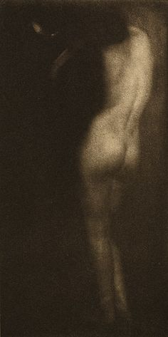Back The Little Round Mirror Steichen, Edward, b.1879-1973 The Artistic Side of Photography, 1910 7 x 14.4 cm Photogravure