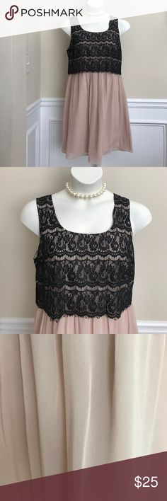 Women Dress Dainty, sleeveless and flowing women size 16 tan dress with black lace overlay. Fashion Jewelry sold separately. Donna Morgan Dresses Midi