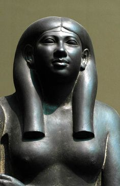 Reign of Menkaure (c.2551-2523 BC, 4th Dynasty) from Giza, Menkaure Valley Temple, detail  Boston by www.ancient-egypt...