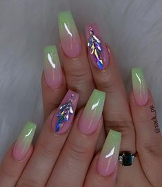 The most popular coffin nails designs come. You can draw great inspiration from each of these beautiful nails! Get ready to save it all! Dope Nails, Swag Nails, Fun Nails, Cute Acrylic Nail Designs, Beautiful Nail Designs, Summer Acrylic Nails, Best Acrylic Nails, Nail Summer, Gorgeous Nails