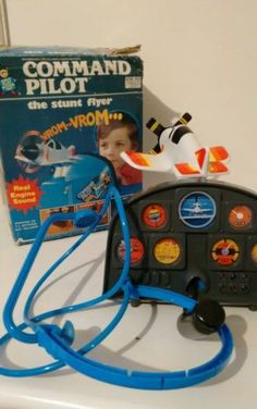 COMMAND-PILOT-STUNT-FLYER-ARCO-1980s-TOY-AEROPLANE-CONTROLS-RARE-VINTAGE-BOXED
