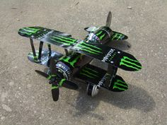 This was the first Black Monster Energy plane I made. I didn't like the way the M's were facing on the wings though. Motorcycle Touring, Girl Motorcycle, Motorcycle Quotes, Bebidas Energéticas Monster, Soda Tab Crafts, Bakugou And Uraraka, Monster Crafts, Monster Energy Girls, Chill Room