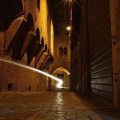 Bologna. Light in the night - Instagram by zac_antonio