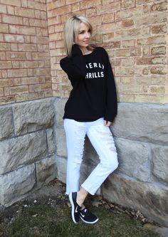 Spring 2017 look, casual sweatshirt, white cropped jeans, Nike runners