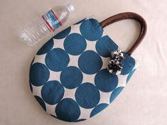 Diy Backpack, Diy Tote Bag, Japanese Bag, Handmade Purses, Craft Bags, Bag Patterns To Sew, Fabric Bags, Girls Bags, Fabric Jewelry