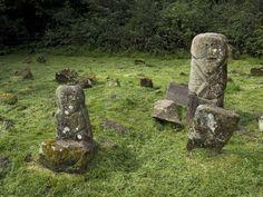 Megaliths in Boa Island, Ireland Celtic Goddess, Celtic Mythology, Connemara Pony, Stone Statues, Irish Celtic, Effigy, Archaeology, Culture, Garden Sculpture