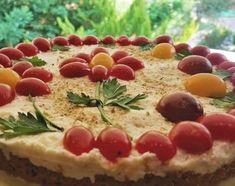 Ξετρελάθηκα με αυτή την ιδέα πραγματικά! Αλμυρό cheesecake με βάση από παξιμάδι και ντομάτα! Ένα έχω να σας πω το δοκιμάσαμε στο σπίτι και δεν έμεινε ψίχουλο Savory Tart, Cheesecake, Pie, Pudding, Party, Desserts, Recipes, Food, Torte