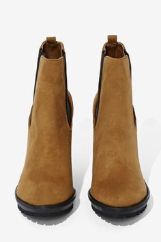 Shoe Cult Ramble Chelsea Boot - Olive   Shop Boots at Nasty Gal