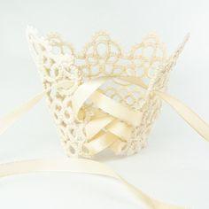 Bridal lace cuff bracelet