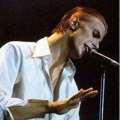 The Thin White Duke alias David Bowie ⚡