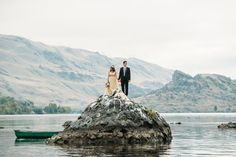 Toniechristinephotography.Vowrenewalontheriver.ColumbiaRiverVowrenewal.Uniqueweddingphotos.SeattleWeddingPhotographerTonieChristine.Wenatcheeweddingphotography_0161