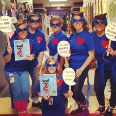 Pete the Cat Kindergarten teamCouldn't be any cuter. Character Day Ideas, Character Dress Up, Storybook Character Costumes, Storybook Characters, Teacher Halloween Costumes, Halloween Books, Halloween Ideas, Pete The Cat Costume, Welcome To Kindergarten