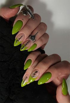 16 Nail Shapes & Tips for Choosing the Best One for Your Fingers Edgy Nails, Grunge Nails, Edgy Nail Art, Bling Nails, Halloween Acrylic Nails, Best Acrylic Nails, Minimalist Nails, Nail Swag, Witchy Nails