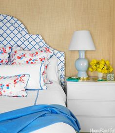 Create a serene ambience in your bedroom with 100% natural hand woven #grasscloth. @thezhush