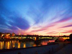 ¿Sabías que el Puente de Triana en Sevilla, realmente se llama Puente de Isabel II? / Did you know official name of Triana Bridge in Sevilla is Isabel II Bridge?