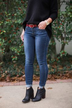 How to wear ankle boots with skinny jeans is one of my most-asked questions this time of year. And depending on the length of your jeans, that likely requires some sort of cuff. Booties Outfit, Outfit Jeans, Jean Jacket Outfits, Outfits With Boots, Women's Jeans, Dress With Boots, Dress Shoes, Winter Skinny Jeans Outfits, Dressy Casual Outfits