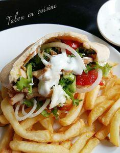 Kebab maison en pita et sauce blanche