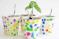 DIY Flower Pots (Cheap and Neat Solution for Gardening) – Diy Garden Painted Flower Pots, Painted Pots, Diy For Kids, Crafts For Kids, Diy Crafts, Fleurs Diy, Christian Crafts, Scrap Wood Projects, Diy Wedding Projects