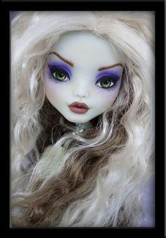 Maewyn - OOAK Monster High Frankie repaint by IvyHeartDesigns