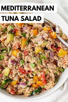 Healthy Mediterranean Tuna Salad (No Mayo) is the perfect 5 minute lunch or dinn… – ! A Permanent Health Kick ! – Healthy Recipes and Fitness Community – Tuna Fish Recipes Salade Healthy, Healthy Tuna Salad, Healthy Eating, Healthy Mayo, Easy Tuna Salad, Simple Healthy Lunch, Simple Healthy Dinner Recipes, Simple Salad Recipes, Healthy Lunch Wraps