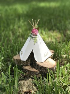 This sweet little TEAL BLUE Bohemian themed TeePee will be a perfect focal point to your Boho themed party. Adorned with delicate details and the option to add a name banner, it is sure to grab the attention of your guests. Use as a Cake Topper or Table Centerpiece. See below for item