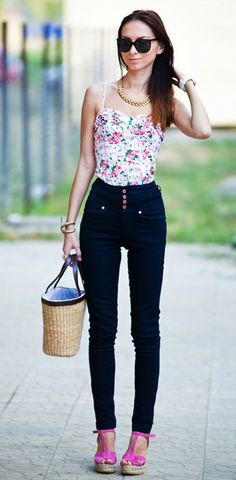 Pretty high waisted jeans and top