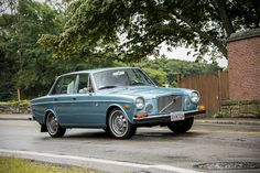 volvo 164E I had this one-it started navy but was repainted this colour