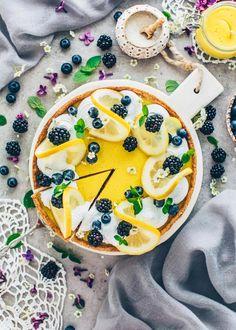 Vegan Lemon Cheesecake Pie Recipes, Dessert Recipes, Lemon Cheesecake, Lemon Curd, Camembert Cheese, Healthy, Tableware, Ethnic Recipes, Healthier Desserts