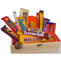 AMERICAN CLASSIC RETRO CHOCOLATE CANDY LUXURY WOODEN GIFT HAMPER