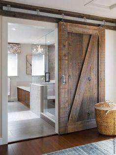 такая дверь может быть в любое помещение