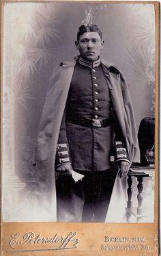 CDV photo Garde Soldat mit Pickelhaube und Busch - Berlin um 1900