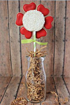 Baking In Heels: heart flower cookie