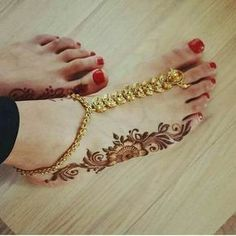 simple foot design 💫 // by - jewellery by - henna - Round Mehndi Design, Back Hand Mehndi Designs, Mehndi Designs For Fingers, Best Mehndi Designs, Mehndi Designs For Hands, Mehandi Designs, Tattoo Designs, Simple Mehndi Patterns, Simple Arabic Mehndi Designs