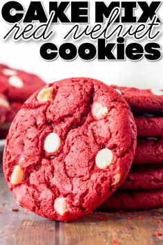EASY RED VELVET CAKE MIX COOKIES Sprinkle Cookies, Cake Mix Cookies, Cookies Et Biscuits, Chocolate Cake Mixes, White Chocolate Chips, Chocolate Chip Cookies, Cake Mix Recipes, Dessert Recipes, Bar Recipes