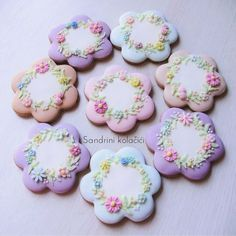 #sandrinikolacici #decoratedcookies #springcookies #spring #love #pastel #flowers #food #medenjaci Mother's Day Cookies, Fancy Cookies, Cute Cookies, Easter Cookies, Cupcake Cookies, Cookie Frosting, Royal Icing Cookies, Flower Sugar Cookies, Wedding Cookies