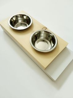 Scandinavian cat feeder. Pine & white.   #design #handmade #local #homedecor #pets #petstyle
