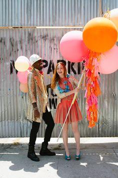 Geronimo Balloon Lollies! Balloons On Sticks, Love Balloon, Balloon Balloon, Balloon Party, Giant Balloons, A Little Party, Festa Party, Wedding Balloons, Geronimo