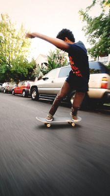 Guys with board ( snow, skate, long, surf) Skater Kid, Long Skate, Skate And Destroy, Skate Surf, Longboarding, Skateboard Decks, Roller Skating, Extreme Sports, Skateboards